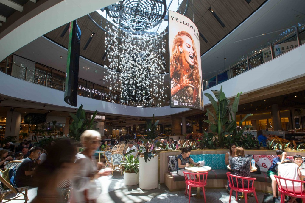 Pacific Fair Oculus Atrium - NanoLumens three custom built portraits create a chandelier in 5mm curve LED